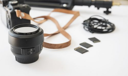 modern-dslr-camera-memory-cards-camera-lens-extension-rings-memory-card_23-2148038899